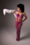 Showgirl in roze kostuum. Royalty-vrije Stock Fotografie