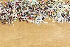 Shredded край офиса космоса бумажной копии стоковые изображения