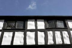 shrewsbury tudorwhite för svart byggnad Arkivfoto