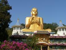 Shri-lanka, le temple d'or de Buddistsky Images libres de droits