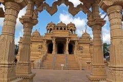 Shri Vallabh Nidhi Temple Wembly Royaltyfria Bilder