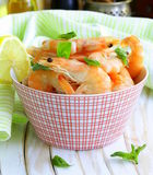 Shrimp cooked with lemon and basil Stock Photography