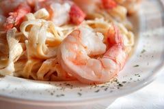 Free Shrimp Fettuccine Alfredo Close Up Stock Image - 3940421