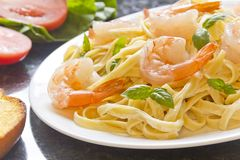 Shrimp Fettuccini Alfredo Stock Photography