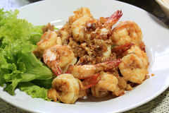 Shrimp with pepper and garlic in Thai style dish Royalty Free Stock Images