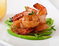 Shrimp sauteed with garlic and soy sauce Stock Photos