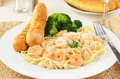 Shrimp Scampi with Broccoli Stock Photos