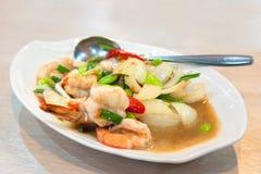 Shrimp stir-fried with stink beans and shrimp paste Royalty Free Stock Photos