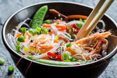 Shrimp and vegetables served with noodles Royalty Free Stock Image