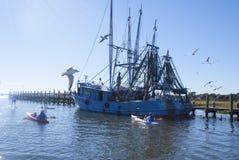 Shrimping fartyg Royaltyfria Foton