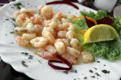 Shrimps With Green Salad And Lemon Royalty Free Stock Photo