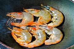 Shrimps in pan Royalty Free Stock Photos