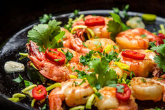 Shrimps on pan with garlic Royalty Free Stock Photo