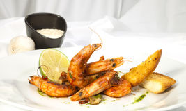 Shrimps prepared with garlic, chilli, white wine and balsamic vi Royalty Free Stock Photos