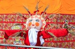 Shrovetide em Rússia Boneca grande para o burning como o símbolo do wint Foto de Stock