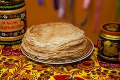 Shrovetide Russische pannekoeken Royalty-vrije Stock Foto