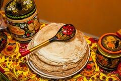 Shrovetide Russische pannekoeken Stock Foto