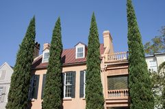 Shrubs and Southern Mansion Royalty Free Stock Images