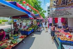 Shuanglian早晨市场街道视图  免版税库存照片