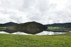 Shudu湖在普达措国家公园 免版税图库摄影