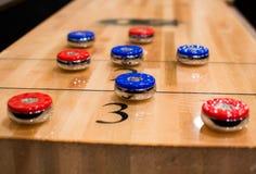 Shuffleboard-Tabelle stockfotografie