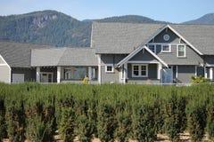 Shurbbery современного дома фермы растущее Стоковое Изображение