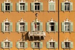 Shutteredvensters in Italië Royalty-vrije Stock Afbeelding