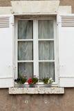 shutters белое окно стоковая фотография rf