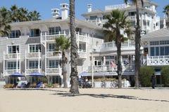 Shutters o hotel na praia de Santa Monica Foto de Stock Royalty Free
