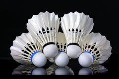 Shuttlecock et badminton Photos stock