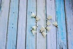 Shuttlecocks на деревянном поле Стоковая Фотография RF