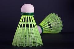 Shuttlecocks en plastique verts Image stock