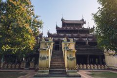 Shwe的外视图在容器修道院里 免版税库存照片