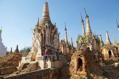 Shwe Inn Dain Pagoda complex Royalty Free Stock Photos