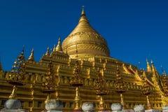 Shwe ser den Khone pagoden royaltyfri foto