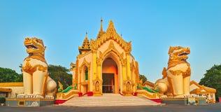 Shwedagon复合体在仰光 缅甸 免版税库存图片