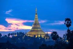 Shwedagon в сумерк Стоковые Фото