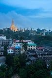 Shwedagon dans la ville de Yangon Images stock
