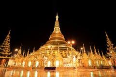 shwedagon för rangon för myanmar nattpagoda Fotografering för Bildbyråer