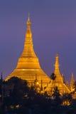 Shwedagon pagod i den Yangon staden Arkivbilder