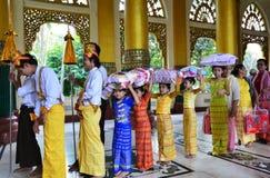 Shwedagon pagoda Royaltyfria Foton