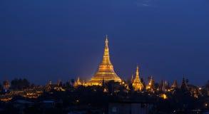 Shwedagon Pagoda i Yangon (Rangoon), Burma Arkivfoto