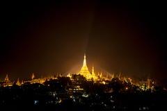 Shwedagon Pagoda i Yangon (Rangoon), Myanmar Arkivfoton