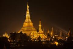 Shwedagon Pagoda i Yangon (Rangoon), Myanmar Royaltyfria Foton