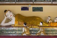 Shwedagon Pagodakomplex - Yangon - Myanmar Royaltyfri Bild
