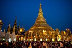 Shwedagon-Pagode in Yangoon Stockbilder