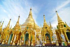 Shwedagon Pagodowa świątynia, punkt zwrotny w Yangon Obraz Stock