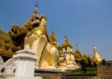 Shwedagon Pagodowy Południowy wejście Zdjęcia Royalty Free