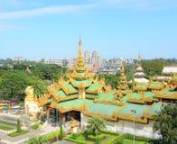 Shwedagon Paya塔在仰光 免版税库存照片