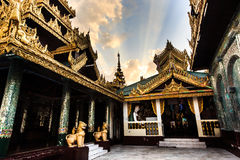 Shwedagon Paya Images stock
